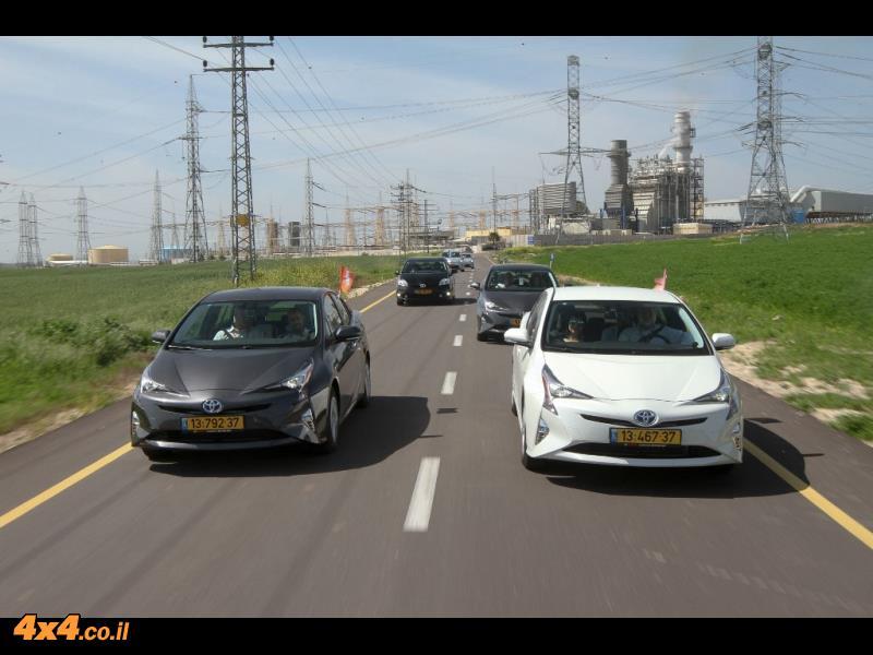 טויוטה פריוס דור 4 Toyota Hybrid