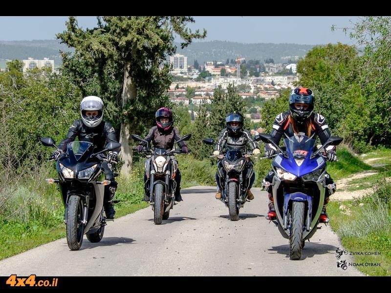 אופנועים השוואתי: ימאהה R3 ; הונדה CBR 300R ; ק.ט.מ דיוק 390 ; קוואסקי Z300