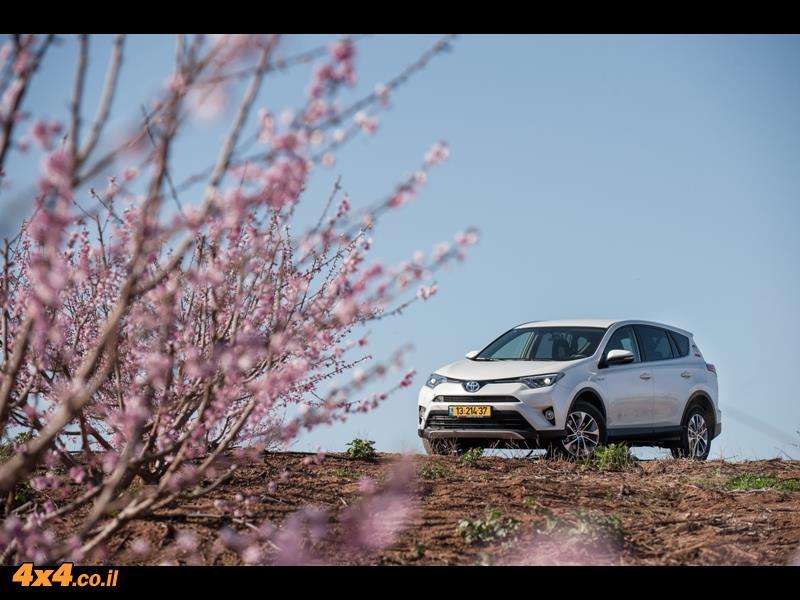 מבחן דרכים טויוטה ראב4 היברידי Toyota RAV4