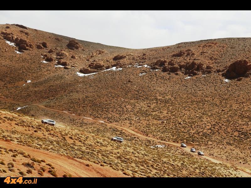 מטפסים לעבר הטיזי - מעבר ההרים בגובה 2,950 מטרים