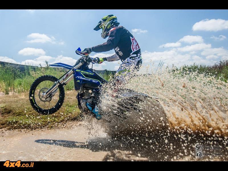 אופנוע במבחן שרקו Sherco SEF-R 300