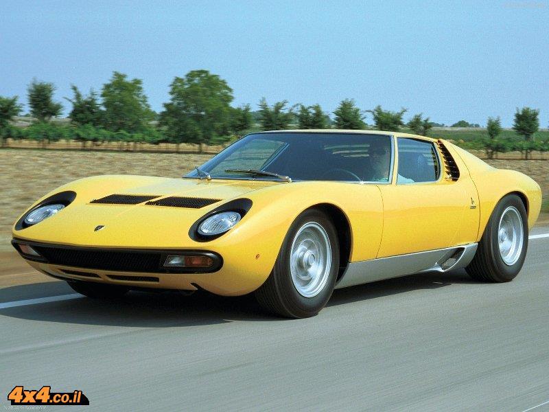 לדעת רבים – הראשונה. למבורגיני מיורה P400, 1966. השילוב של מנוע מרכזי במכונית כביש, V12 עם ביצועים