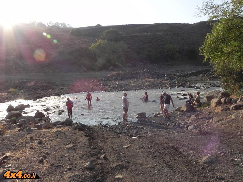 רחצה בנהר הירדן