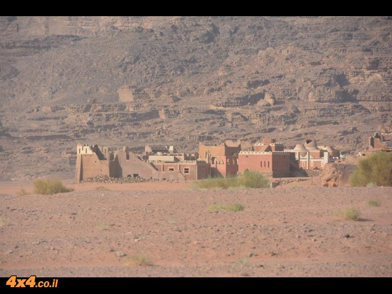 מצודה בלב המדבר