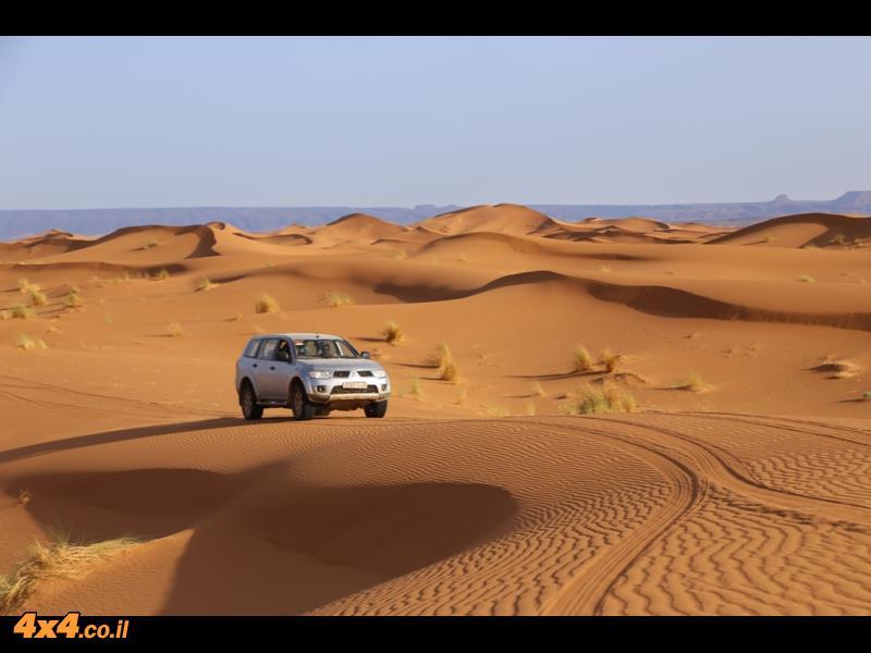 רק חול וחול... בלב הדיונות של הסהרה