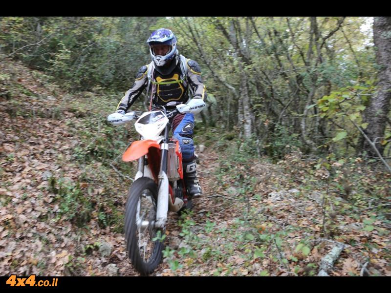הארד סוּפלַקי - אופנועים ביוון