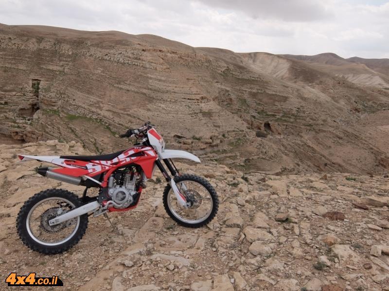 חדש, לא חדיש - אופנוע SWM