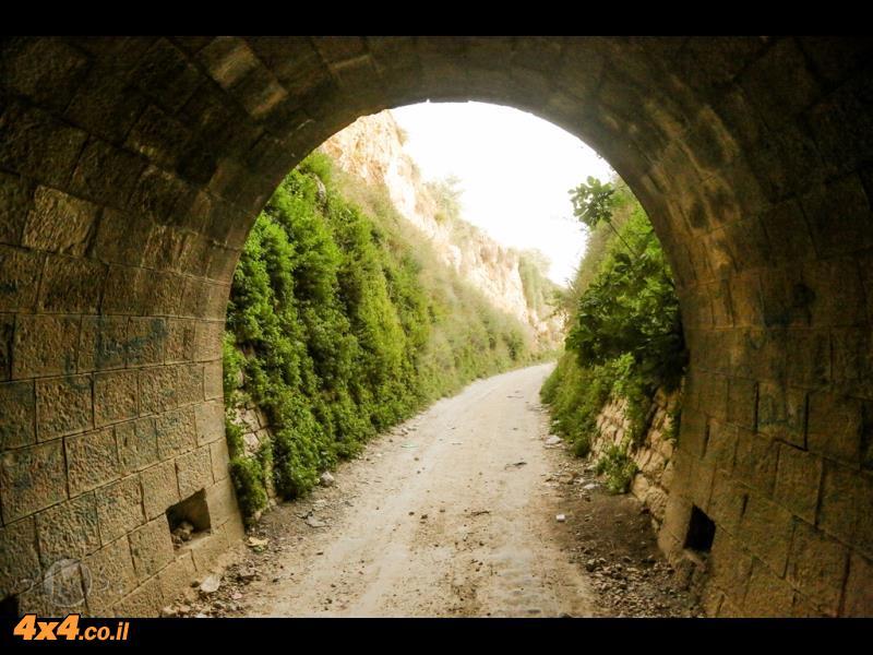 נקודה בשטח: מנהרת הרכבת הטורקית ב''מחיצה השומרונית''