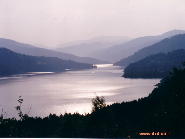 אגם ביקאז