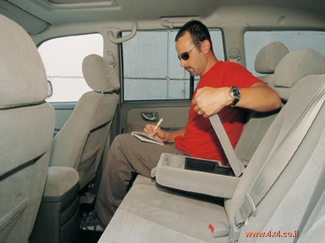 המושב האחורי ביונדאי מרווח יותר בכל מימד
