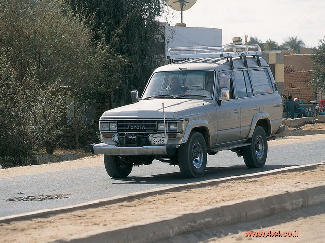 טויוטה-לנד בבחריה - המדבר המערבי -  מצרים