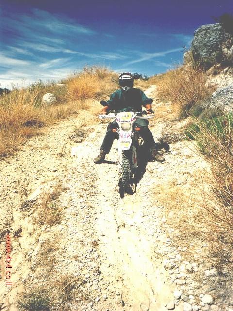 קפיצה קטנה לחו''ל - יחד עם האופנוע מישראל