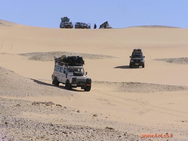 סרט ממסע חוצה מדבר מערבי וים החולות הגדול במצרים 2005