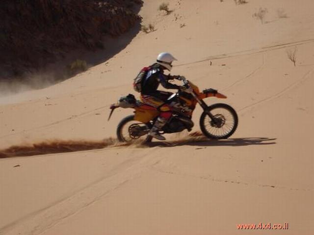 יומן המסע של יוחנן רזניק ממסע אופנועי השטח לירדן