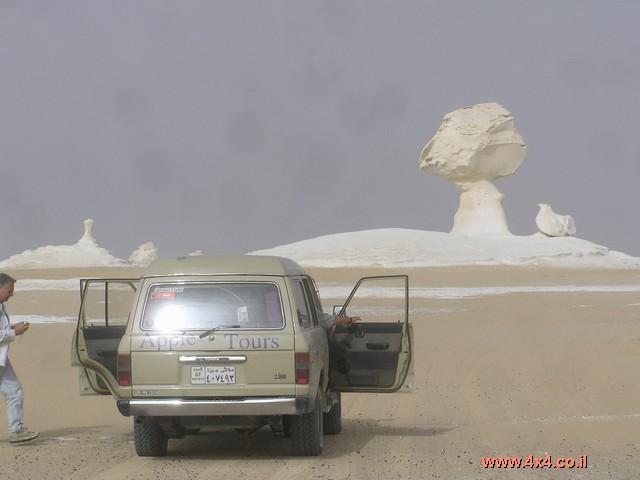 מפארפאה יצאנו לתוך המדבר הלבן - כשמו כן הוא