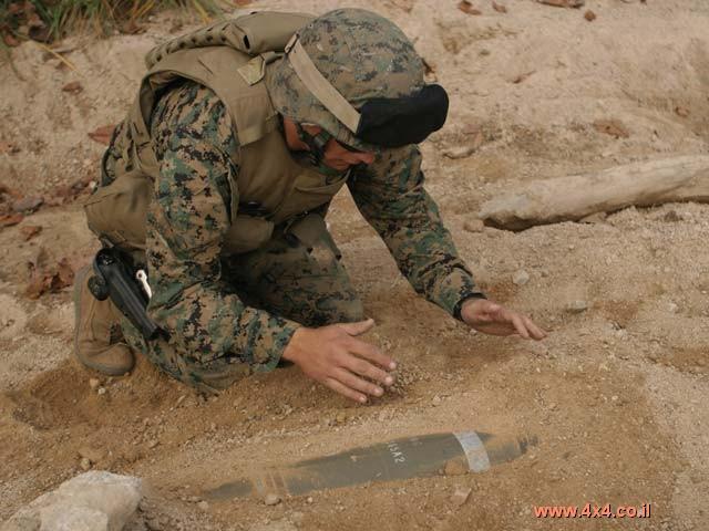 סיפור מס' 5 - טיול פיצוץ - ג'יפים בשדה מוקשים