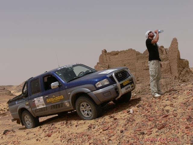 טנדר מזדה B2500  - הטנדר שחזר מן המדבר