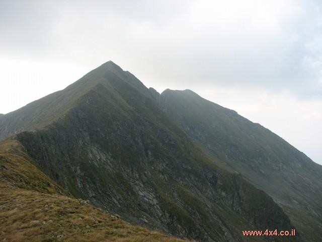 מולדבאנו - הפסגה הגבוה בהרי קרפטים - רומניה Moldoveanu