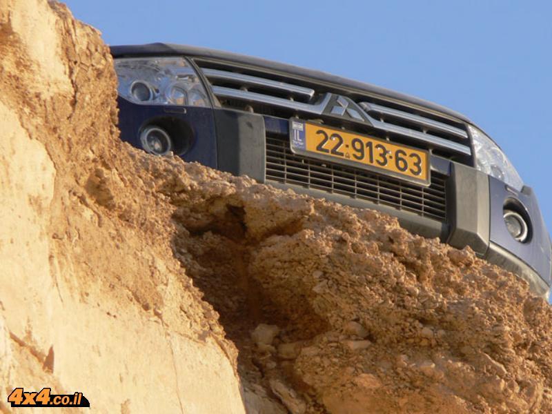 רכב השנה: פג'רו בראש