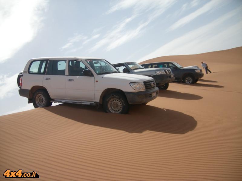 אגדות ענק בשטח: לנדקרוזר 100 ופטרול Nissan V. Toyota