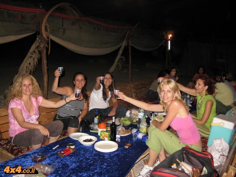 נשים בדרך הבשמים - יוני 2008