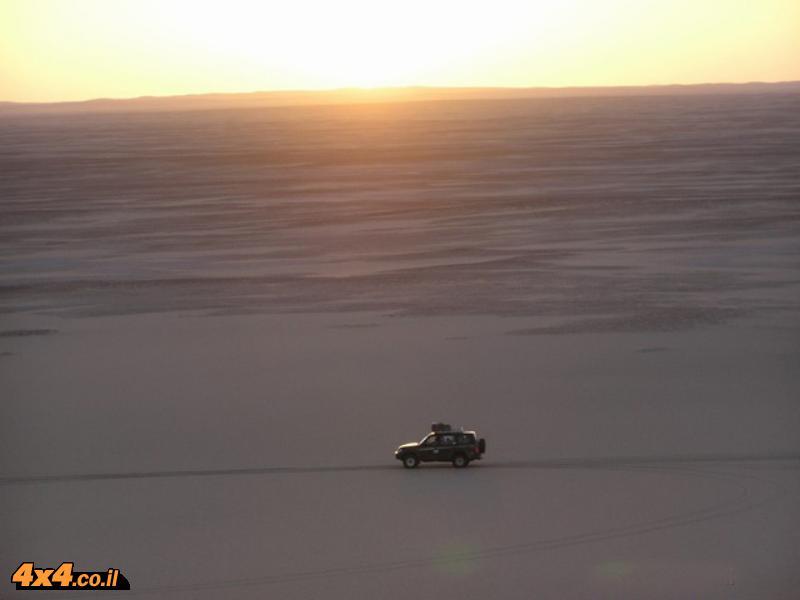 ים של חולות - ג'יפ במדבר המערבי