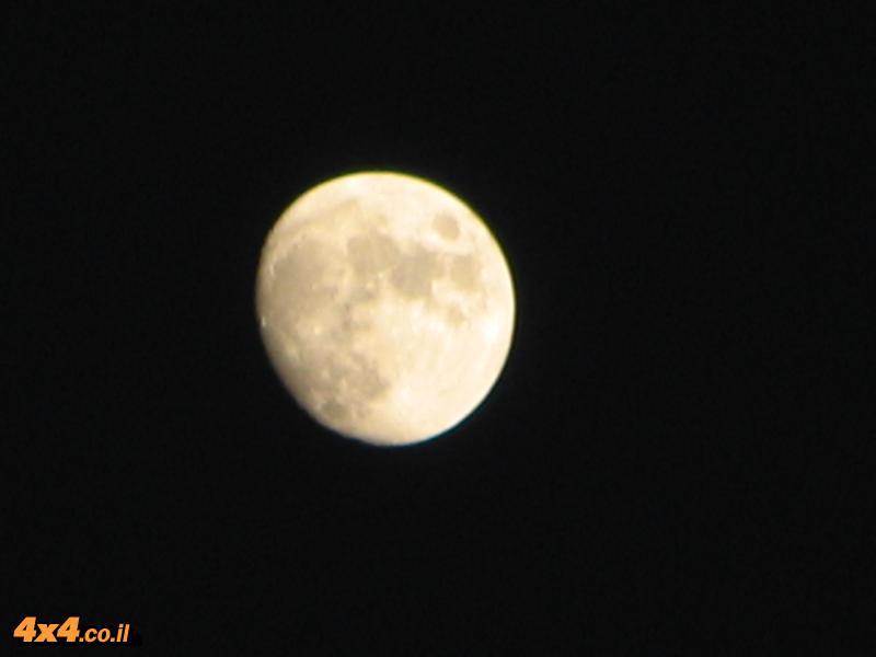 מתי זורח הירח?