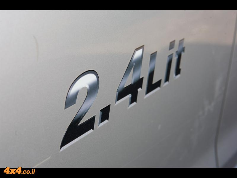 סוזוקי גראנד-ויטארה 2.4  ליטר Suzuki Grand Vitara