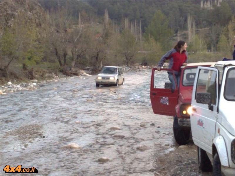 טורקיה: 4 ימים טיול ג'יפים בהרי הטאורוס