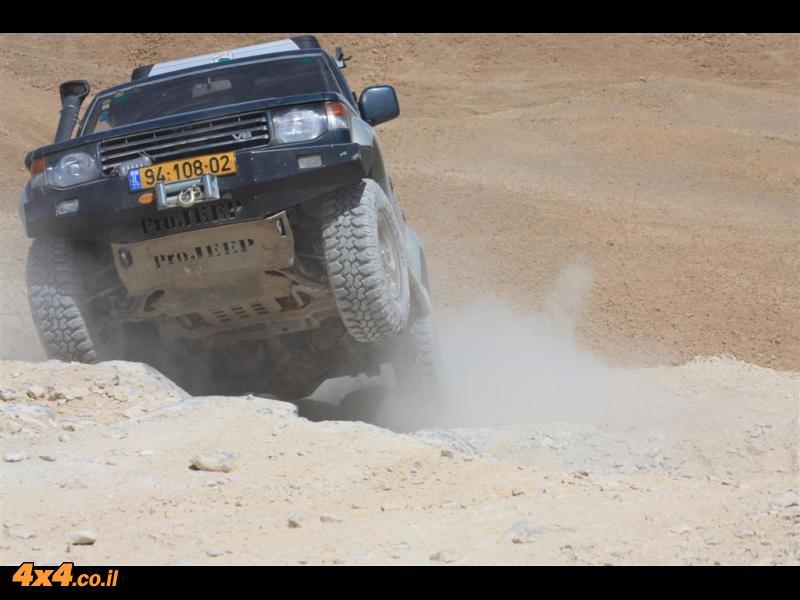 גבר - גבר : מסע מעלות קשים בנגב