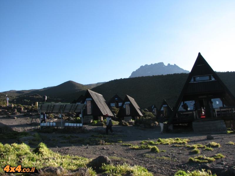 הבקתה השנייה HOROMBO - הורמבו 3,720 מטרים