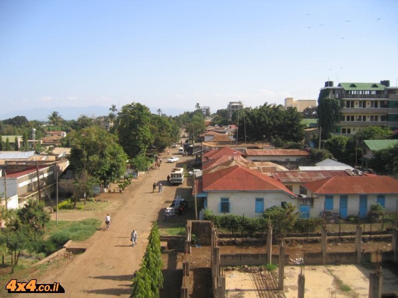 תמונות מהעיירה מושי למרגלות ההר