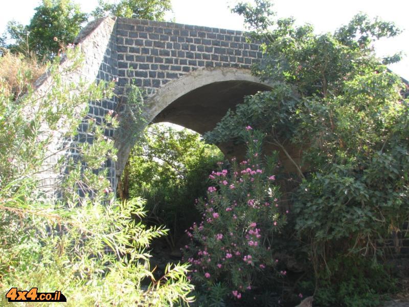 הגשר הישן של נחל סמך