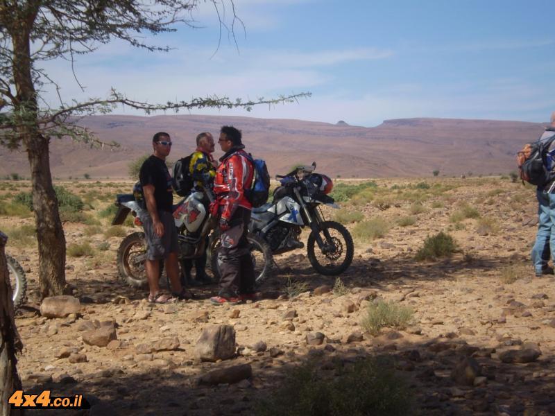 והיו גם אופנועים שהוציאו לנו את העיניים...