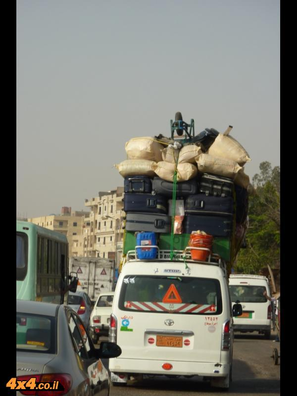 מיניבוס אופייני בקהיר