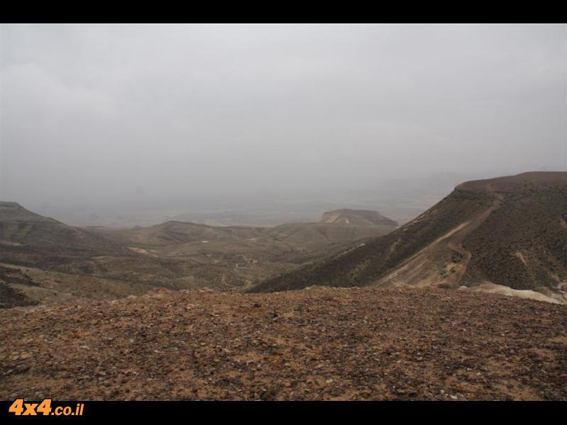 בדרך לתצפית בהר צרור