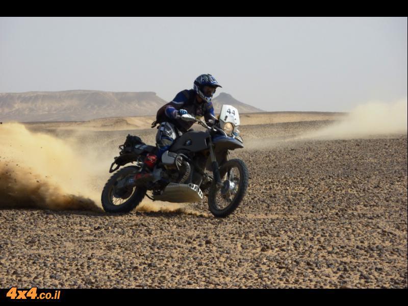 המדבר המערבי - אופנועים