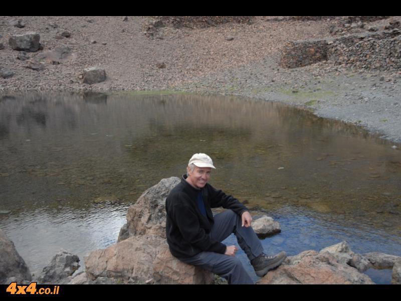 אגם איפני למרגלות הטובקאל