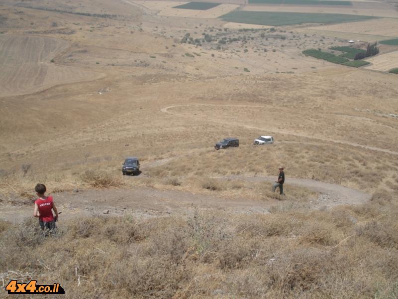 טיול מועדון לנדרובר מנחל ארבל לעמק חרוד