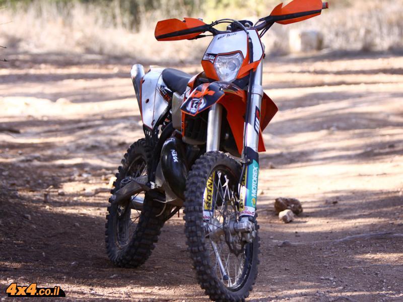 מאוד מבחן דרכים אופנוע ק.ט.מ. 125 שתי פעימות KTM - 4X4 אתר השטח הישראלי LG-33