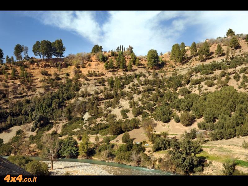 לאורך נהר האחנסאל עד למרגלות מצוק הקתדרל