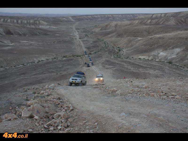 הר קומות וחניון במישור עמיעז סמוך לנחל עמיעז