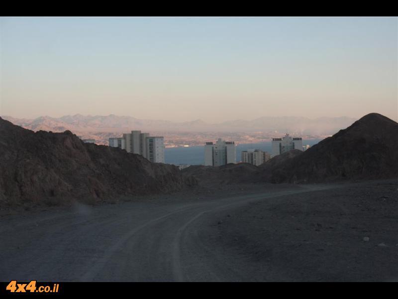 הכניסה לאילת דרך ההרים - סוף מסע חוצה ישראל פסח 2011