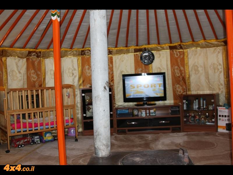 החיים בגר - האוהל המסורתי
