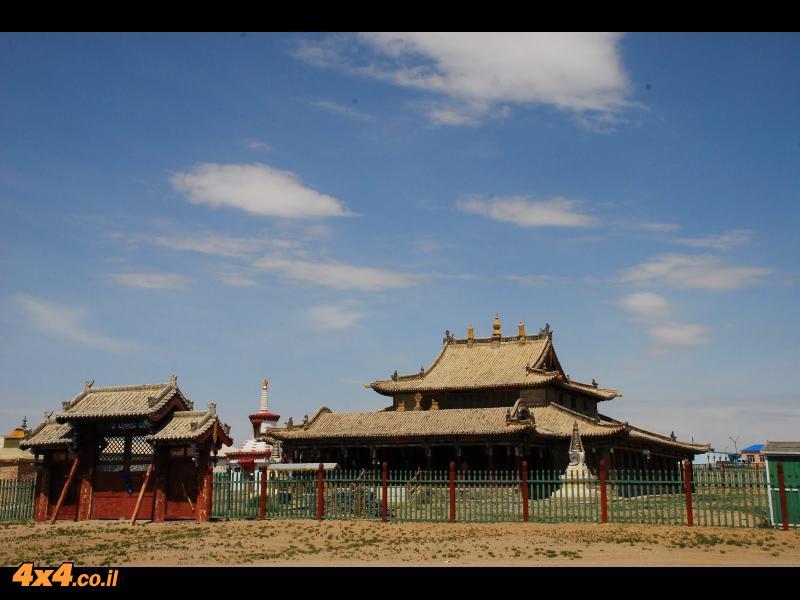 המקדשים