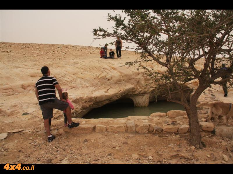 בור קרש ביום מלא עם מים (צילם: עדי וייזל)
