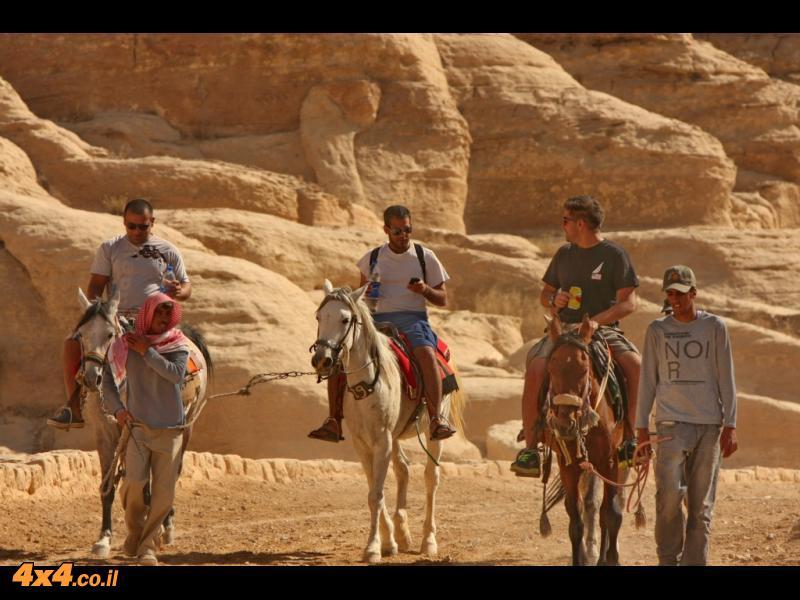 מסע אל המדבר הדרומי - ירדן, סוכות 2011