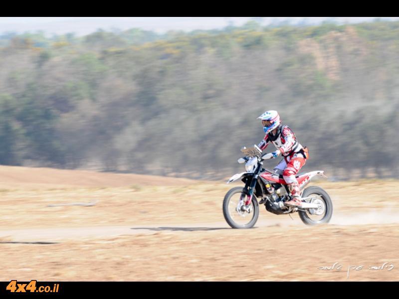 יוני לוי ראשון בקטגוריית אופנועים מקצועית