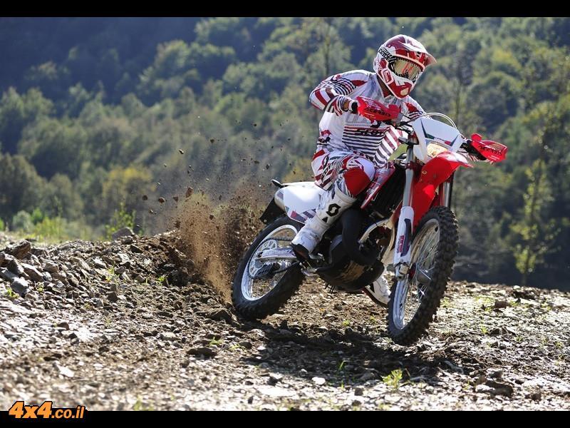 קורס מוטוקרוס לבעלי אופנועים של HM Moto