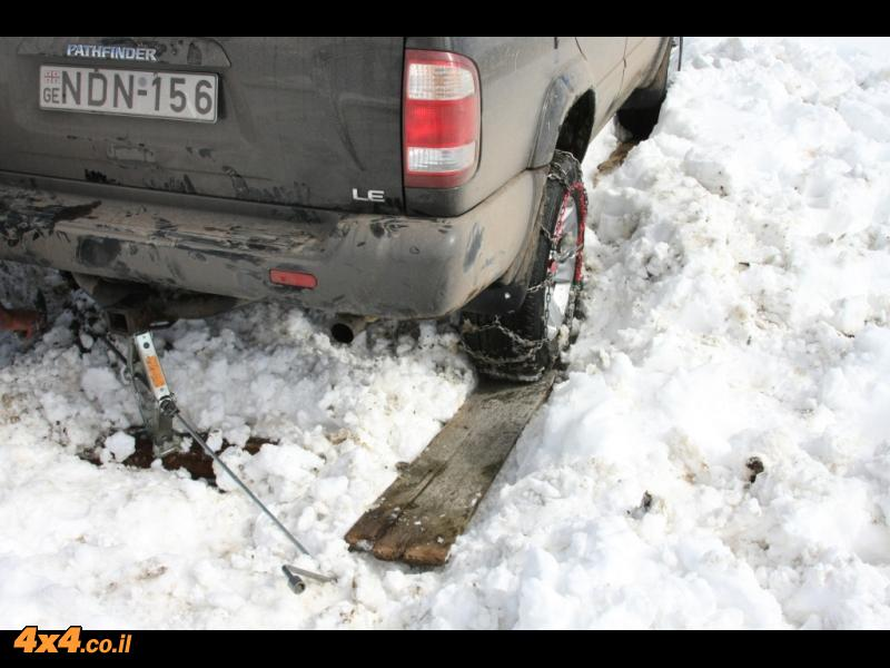 ולא לשכוח את הנוסעים והנהג בשלג